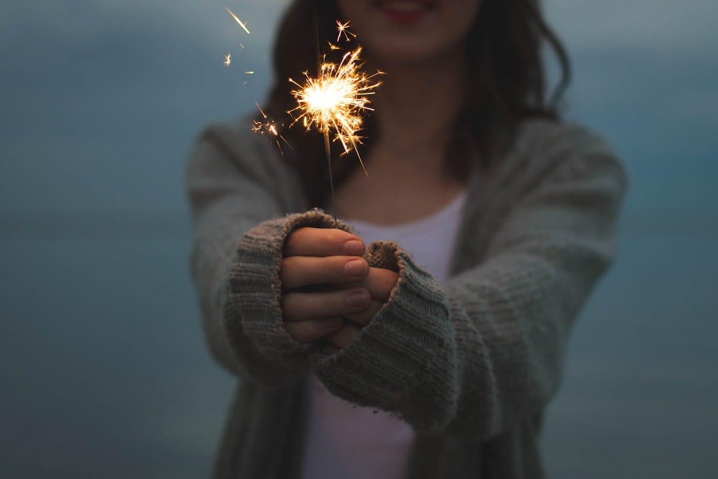 bougie, feu d'artifice, cadeau