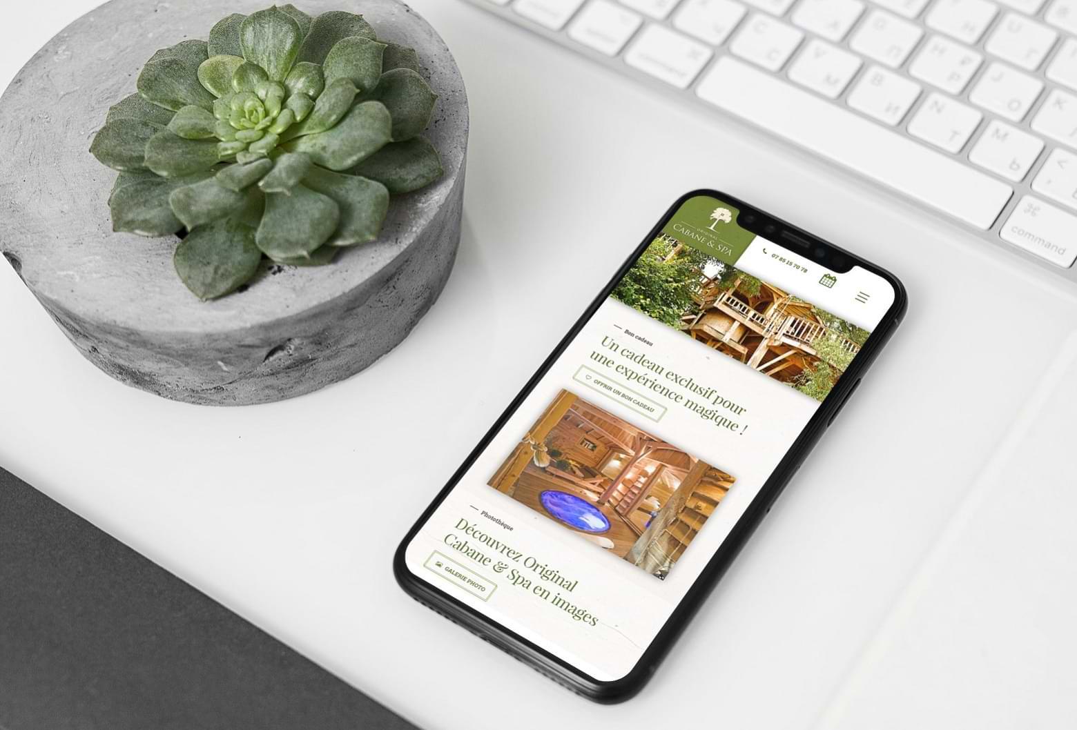 Communication commerciale, marketing hôtelier, création du site Cabane Spa Montauban - Hébergement insolite, tourisme éco-responsable, tourisme durable.