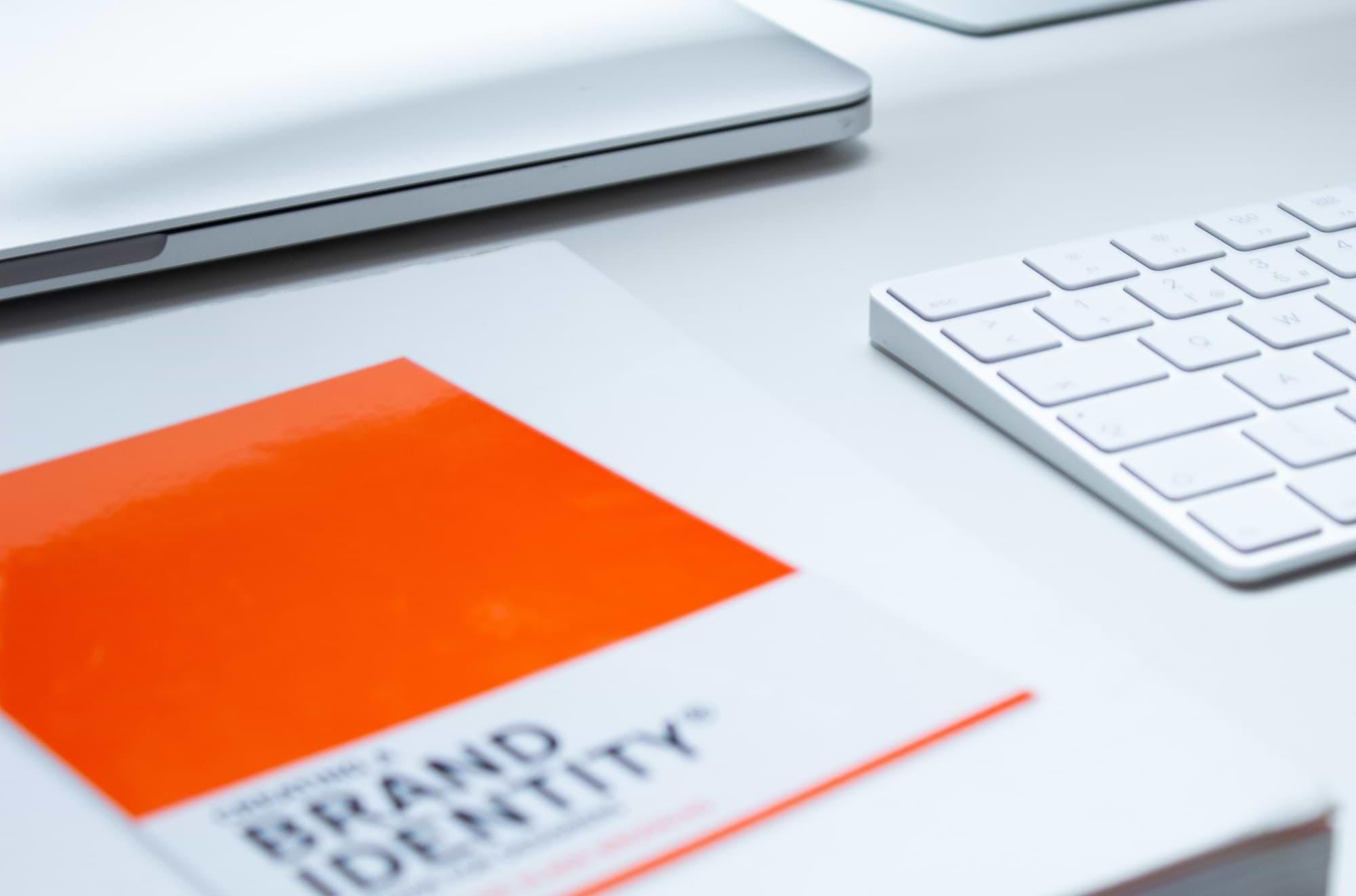 Création de nom d'entreprise et d'identité de marque